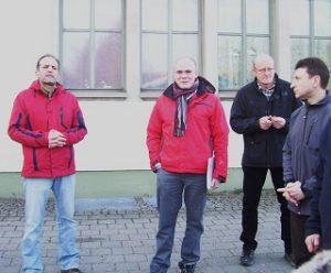 4-Begrueßung-durch-Franz-Kessler+Fabian-Mehring-am-Bahnhof